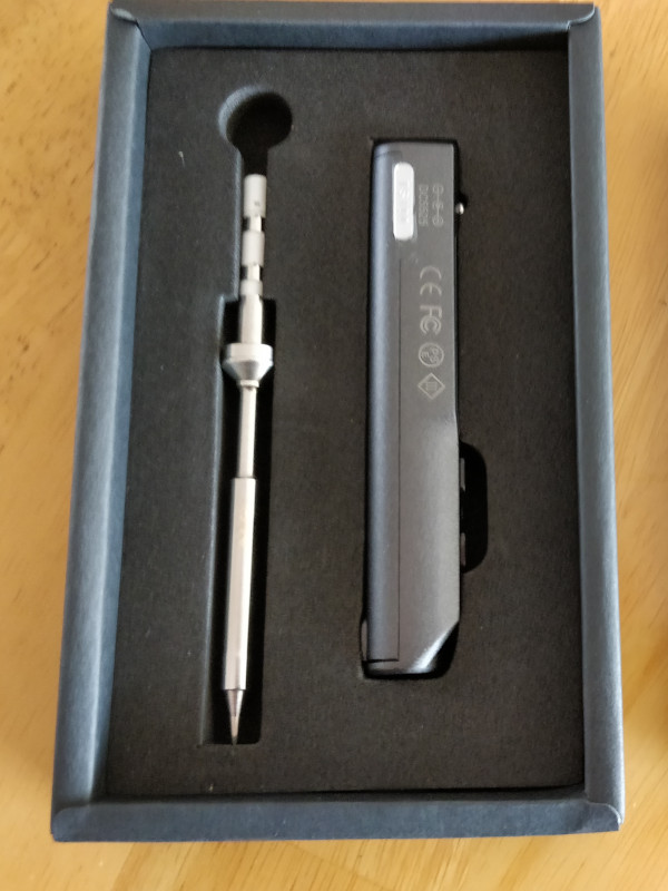 The TS100 comes nicely packaged in a small box. As handle and tip are separated, this is not convenient for later storage.